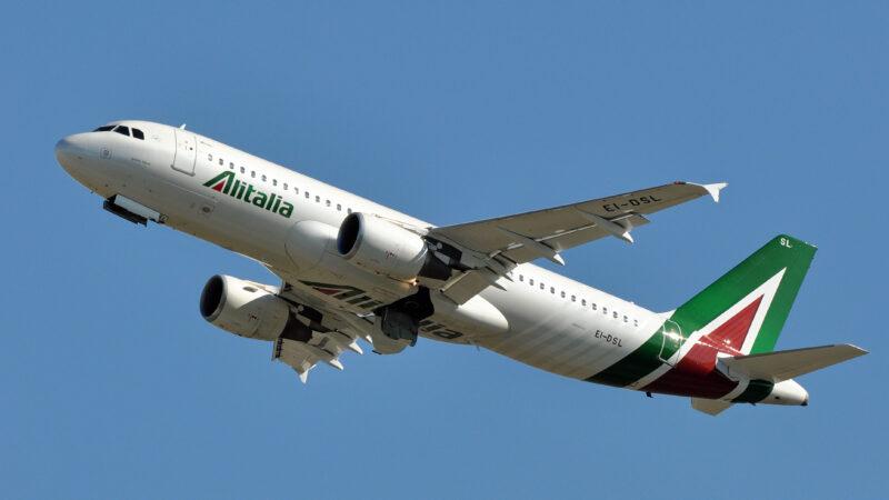 Alitalia: Ok Camera è strada giusta per rilancio compagnia, negli anni troppe scelte sbagliate